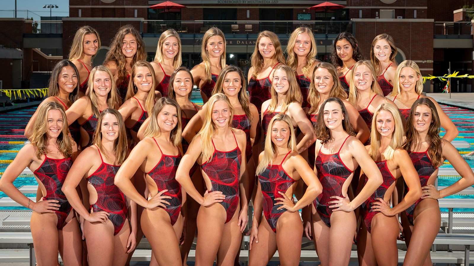 The team photo of the women's swimming and diving team