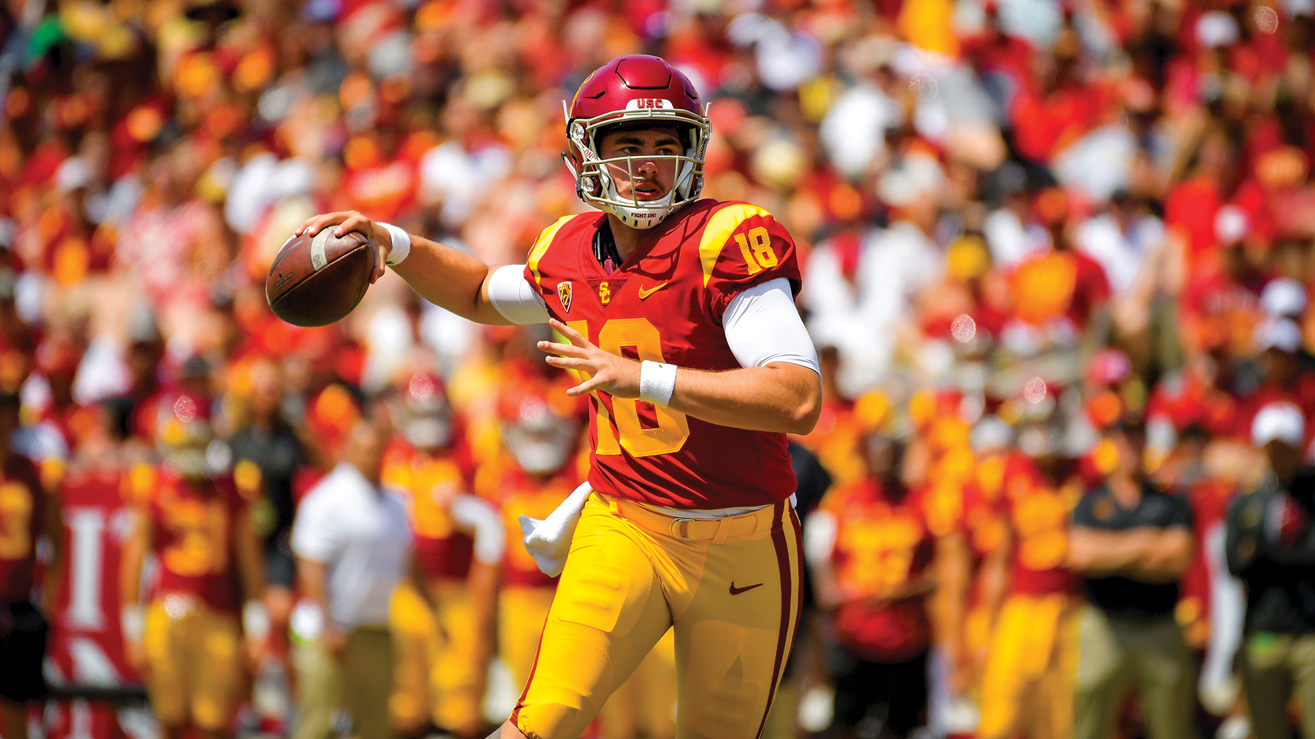 JT Daniels looks for open players during USC's 2018 season opener vs. UNLV
