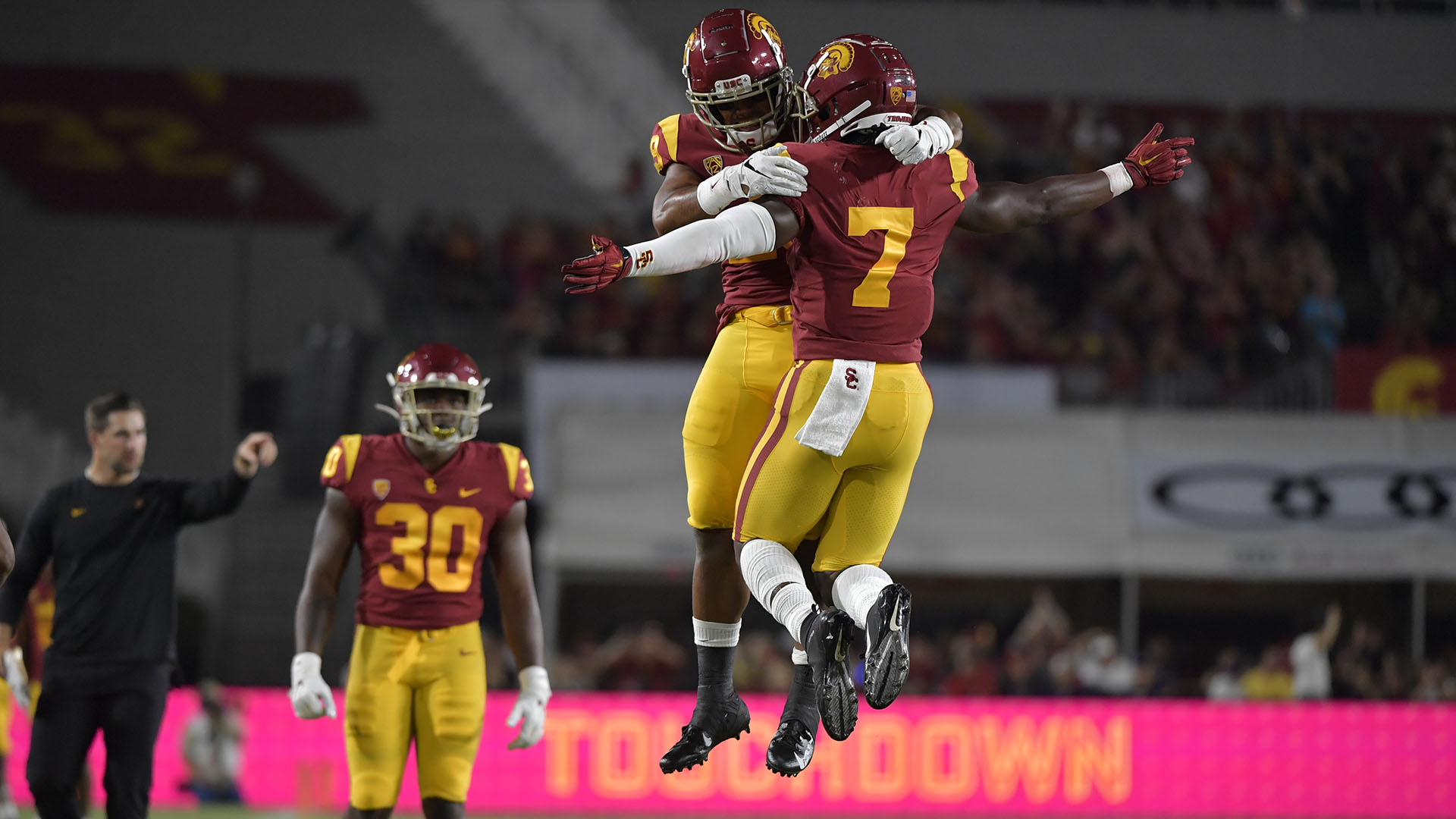 USC Football Prevails Over Fresno State, 31-23 - USC Athletics